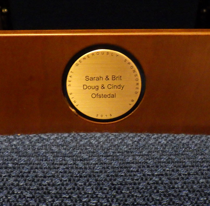 Donor recognition nameplate