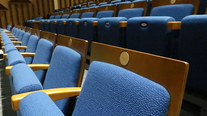 Seats as retraction begins